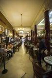 咖啡馆Tortoni的内部在布宜诺斯艾利斯,阿根廷 图库摄影