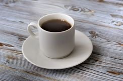 咖啡黑色,开胃 饮料从早晨一份芬芳咖啡 免版税库存照片