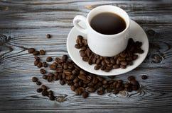咖啡黑色,开胃 饮料从早晨一份芬芳咖啡 图库摄影