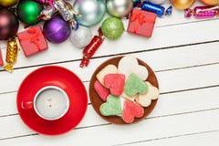 咖啡,充分镀曲奇饼和美好的圣诞节12月 库存图片