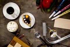 咖啡,菜,党供应,医学,甜点 免版税库存照片