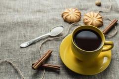 咖啡以黄色 库存图片