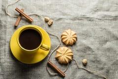 咖啡以黄色 库存照片