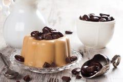 咖啡panna陶砖用巧克力糖 图库摄影