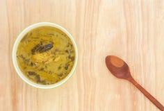 咖喱辣vegelable和鱼格栅 库存图片