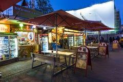 咖喱香肠小屋卖柏林食物专长Currywurst 免版税库存图片