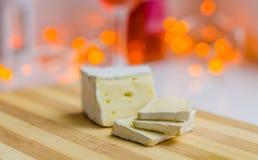 咸味干乳酪乳酪切片特写镜头 免版税库存照片