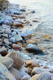 咸岩石在死海,约旦 图库摄影