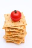 咸薄脆饼干用蕃茄 库存照片