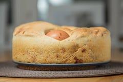 咸蛋糕:Tortano Napoletano o Casatiello 库存照片