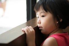 哀伤亚裔的女孩 图库摄影