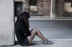 哀伤的女性 免版税库存照片