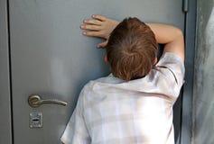 哀伤的孩子 免版税库存图片