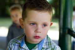 哀伤的小男孩   库存图片