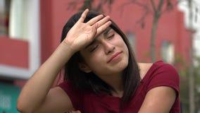 哀伤的烦乱和担心的青少年的女孩 股票视频