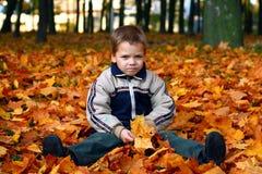 哀伤的男孩 免版税图库摄影