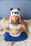 哀伤的肥胖食人的健康食物 库存图片