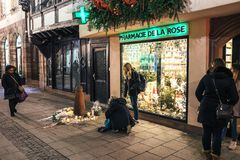 哀悼在付进贡的史特拉斯堡人到Terro的受害者 图库摄影