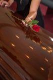 哀悼的妇女 免版税库存照片