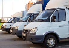 品牌'瞪羚的'小货物搬运车连续是 库存照片