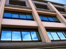 品牌现代新的连栋房屋 免版税库存照片