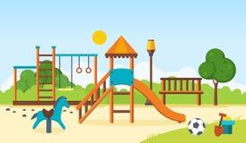 哄骗操场,单杠,摇摆,走的公园,儿童` s玩具 库存图片