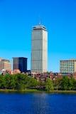 从哈佛桥梁的波士顿在查尔斯河 库存照片
