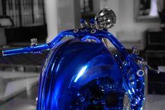 哈利戴维森蓝色编辑把手,最昂贵的摩托车在世界上 免版税库存照片