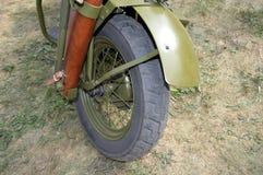 哈利摩托车前轮和防御者 免版税库存照片