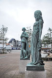 哈姆雷特og奥菲莉亚,火车站,赫尔新哥雕象  免版税库存照片