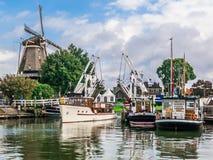 哈尔德韦克港口和风车,荷兰 库存照片
