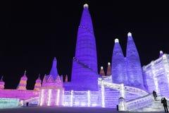 哈尔滨冰节日2018年-意想不到的冰和雪大厦,乐趣, sledging,夜,旅行瓷 免版税库存照片