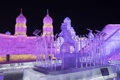 哈尔滨冰节日2018年-意想不到的冰和雪大厦,乐趣, sledging,夜,旅行瓷 免版税库存图片
