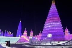 哈尔滨冰节日2018年-意想不到的冰和雪大厦,乐趣, sledging,夜,旅行瓷 库存照片