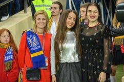 哈尔科夫,乌克兰- 2017年9月02日:女孩在国际足球联合会Wor前 免版税库存照片