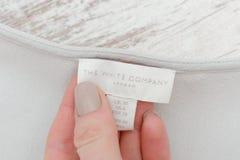 哈尔科夫,乌克兰- 2017年11月20日:白色标签白色COMPA 免版税库存照片
