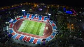 哈巴罗夫斯克列宁体育场顶视图,夜城市 图库摄影