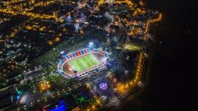 哈巴罗夫斯克列宁体育场顶视图,夜城市 库存图片
