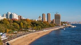 哈巴罗夫斯克的堤防的黑龙江银行  库存图片