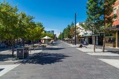 哈格里夫斯街步行购物中心在本迪戈,澳大利亚 免版税库存图片