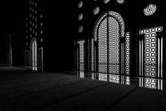 哈桑二世清真寺的内门和窗口在Cassablanca 图库摄影
