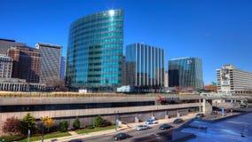 哈特福德康涅狄格地平线的Timelapse与交通的在前面 股票录像