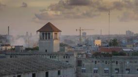哈瓦那古巴地平线黄昏大角度建立的射击  股票录像