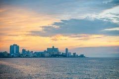 哈瓦那古巴日落地平线 免版税库存图片