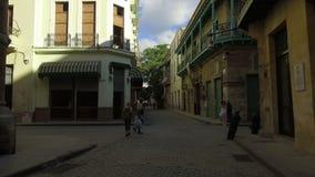 哈瓦那旧城- La Habana Vieja -城市中心-街市-哈瓦那,古巴 股票视频