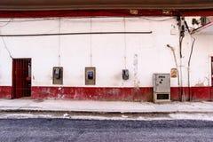 哈瓦那街道场面,公用电话 免版税库存照片