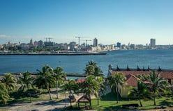 哈瓦那,从El Morro城堡的看法 免版税库存图片