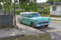 哈瓦那,古巴- 2018年1月04日:减速火箭的经典美国汽车pa 库存照片