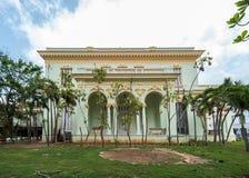哈瓦那,古巴- 2017年10月21日:哈瓦那建筑学 有庭院的宫殿 免版税库存照片