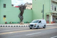 哈瓦那,古巴- 2017年10月20日:哈瓦那老镇和Malecon地区与纪念碑 免版税库存图片